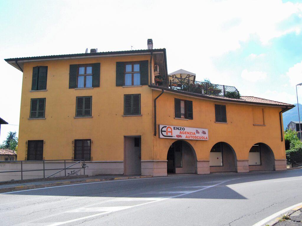 Almenno San Salvatore (Bergamo) - sede enzo autoscuola